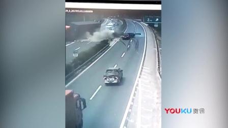 四川成绵高速一轿车与货车争道 引发多车连环相撞