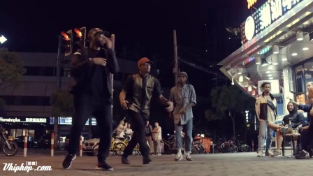 【vhiphop.com】Kendrick Lamar - HUMBLE. ft Marvin, Nelson, Bouboo WE ARE ONE