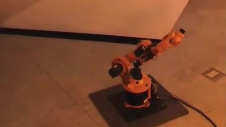KUKA 机器人 用自己的马达声 玩音乐