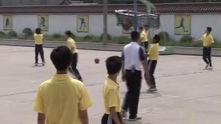 初二体育《篮球传切配合及体能练习》教学视频,江苏镇江