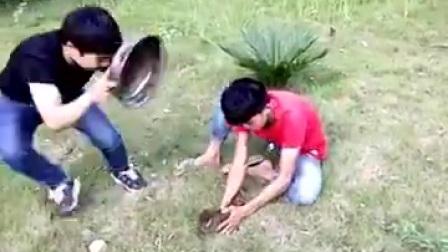 爆笑视频: 小火们恶搞整人第二集