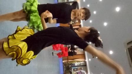 杭州萧山新世纪音乐学校 学生拉丁舞表演