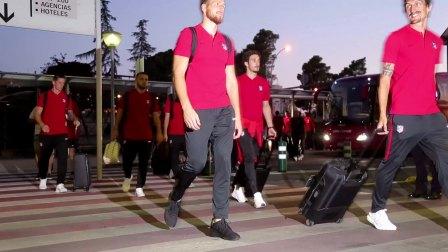 球队抵达墨西哥