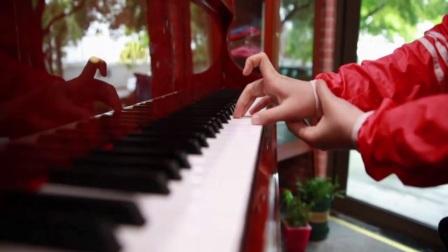 大师手把手教你钢琴演奏中最基本的钢琴指法,包你8分钟就能学会