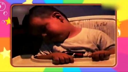 09 爆笑熊孩子摔跤合集-超级搞笑宝宝
