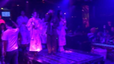 惠州乌石幕色酒吧-美女和服秀-香槟秀现场-密西