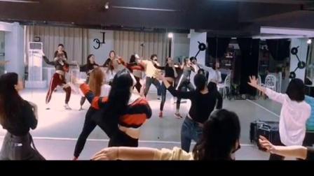 合肥立晨国际流行舞蹈 爵士舞 钢管舞