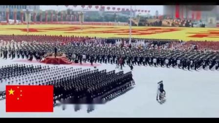 2009年中国阅兵 女兵方阵压轴登场 堪称特效级的正步简直太震撼 高清