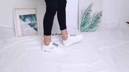 君晓天云韩国星星小白鞋女2019新款白色厚底板鞋