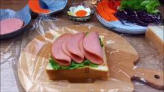 巨无霸彩虹三明治估计没人一顿吃得完我要上热