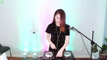 靓妹全新热爱音乐DJ2020现场美女打碟串烧Dj-喵喵(155)