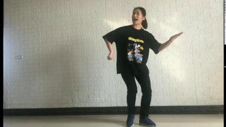 人教版一年级下册体育:健身舞蹈