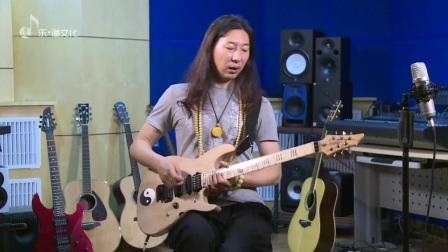 纪斌吉他课《打狗棒法》前言二 正确的持琴姿势