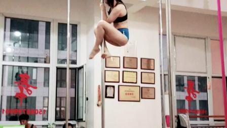 钢管舞视频飞皇济南钢管舞专业学校