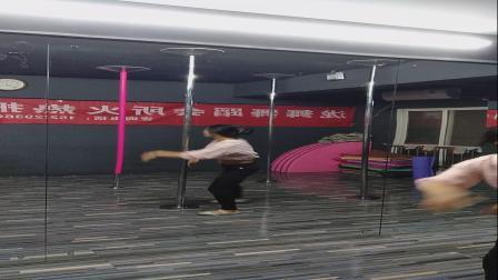 钢管舞固定杆高级转技巧