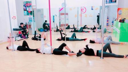 舞蹈视频钢管舞空中瑜伽飞皇专业训练