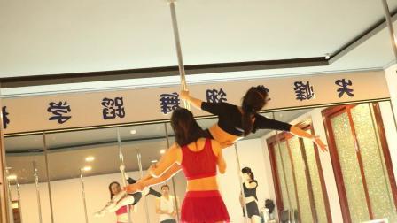 新疆钢管舞零基础学习(尖峰舞蹈)