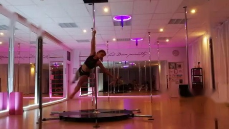 钢管舞成品Advanced Pole Dance  This Woman's Work - K