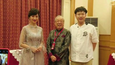 我的女神赵雅芝和《新白》导演夏祖辉,是不是