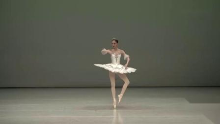 这才是典雅,韩国美女在舞蹈大赛表演白天鹅