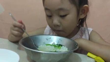 我在宝宝吃饭视频 吃饭不挑食 亲子搞笑视频截了