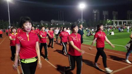 淄川体育公园健走队建队一周年五一风采