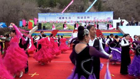 百人交谊舞《走进新时代》(敦化市体育舞蹈协