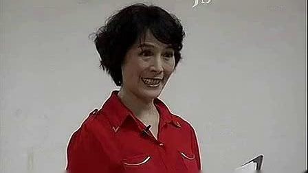 模特教学:《晚霞公开课》周立贞老师第一讲 中老年模特表演-坐 站 走姿态-_标清_1