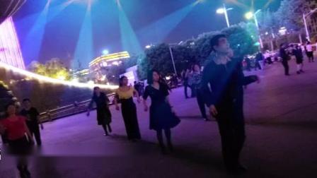 """""""五四青年节""""南京政务服务中心广场舞聚(奥体"""