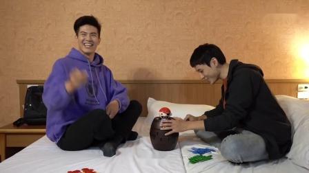 【-3圈套】花絮:幕后直击之行李搜查 飞唐 1