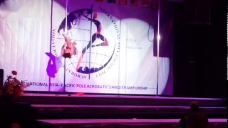 舞蹈培训学校专业钢管舞教学飞皇舞蹈