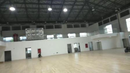 施工完成清理场地准备画线——体育场