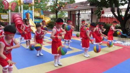 万山镇金色摇篮幼儿园体育游戏