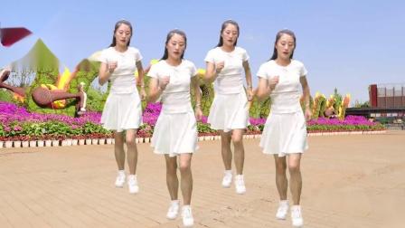 美女真有才,广场舞《爱情一阵风》简单优美步伐,好听又好看