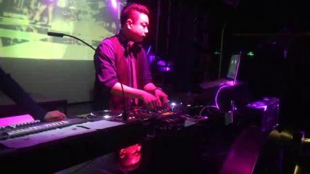 DJ - 迷幻慢摇酒吧电音