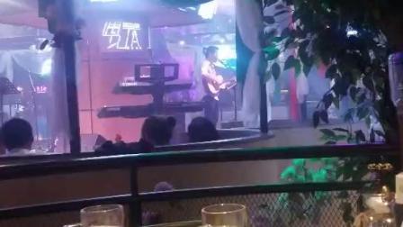 酒吧吉他弹唱《喜欢你》马启满