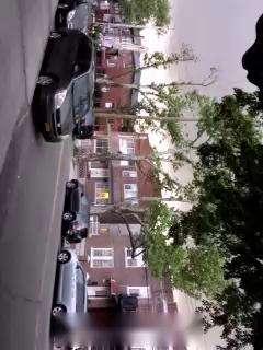 楠楠:纽约街头拍到暴风雨的UFO