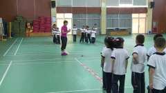 小学体育《单、双脚跳》