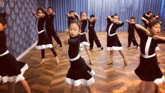 威海1995体育舞蹈俱乐部课堂实拍