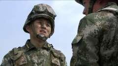 火凤凰:部队进行军事演习,不料村民居然暗中