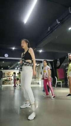 合肥流行舞蹈成人培训 立晨爵士舞 钢管舞 教练