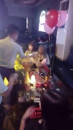 东莞网红酒吧-横沥领潮酒吧KTV-祝:K18美女寿星