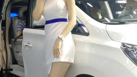 美女车模2