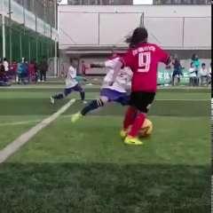 校园体育比赛足球鞋儿童碎钉学生钉鞋繫带透气