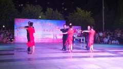 定州市交谊舞群参加无极县举办建国70周年舞林(