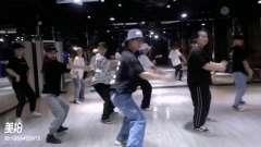 福永哪里有专业学舞蹈的地方?菲士舞蹈福永校