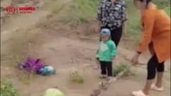 搞笑视频:别以为宝宝没脾气,一生气*凶*凶的!