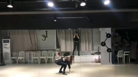 合肥成人舞蹈哪家好 立晨11年教学 爵士舞 钢管舞