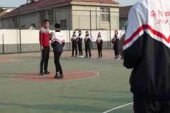 篮球行进间运球_体育_高中_-高中体育优质课(