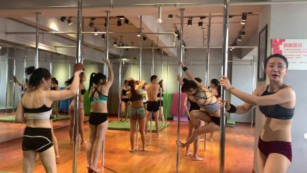 钢管舞艺术家邹文老师亲自教学示范动作 柔美钢